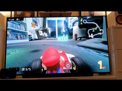 Mario Kart Live: Home Circuit Cat Action