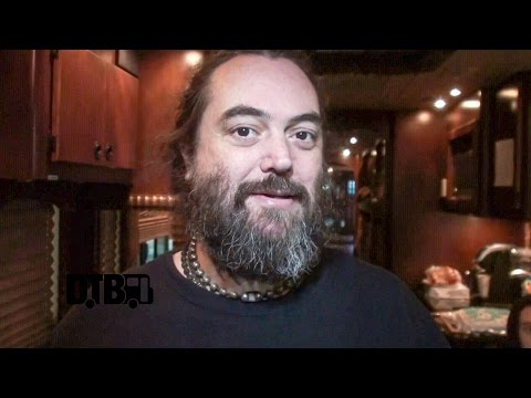 Soulfly /  Max Cavalera - BUS INVADERS Ep. 946