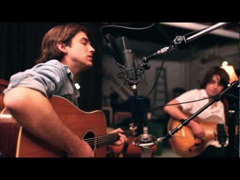 "Andrew Combs - ""She's Only Lonely"" (Live) 