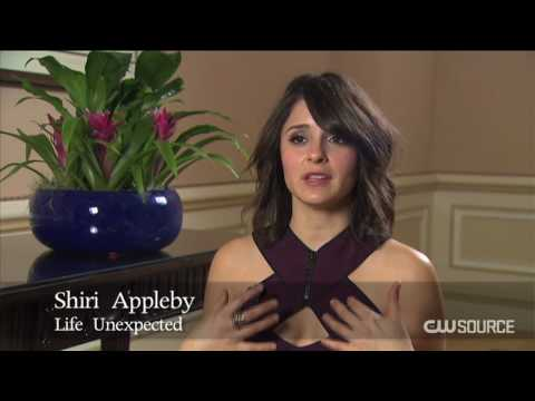 Life Unexpected - Shiri Appleby - Lux & Cate