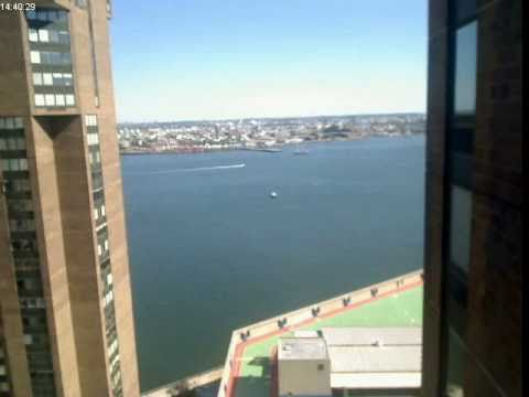 Timelapse from my 26th floor flat in New York City over the East River
