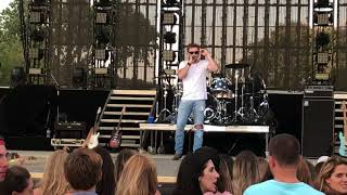 Morgan Wallen Rock Medley You Make It Easy - Cal Mid State Fair 7 18 18.mp3