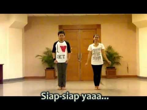 The FIRST Betawi Flashmob Dance in Outdoor (Lagu:
