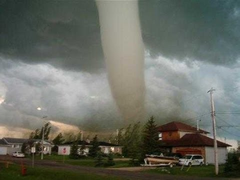 Super Tornado : Documentary on the World's Biggest and Most Deadly Tornadoes