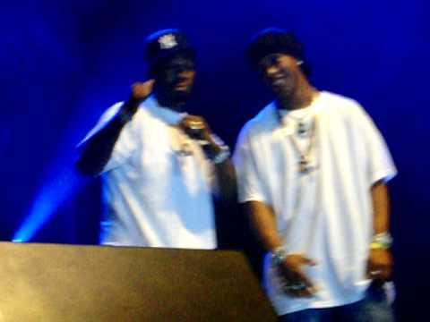50 Cent & G-Unit - Hate it or love it, BITCH (Ronaldinho Gaúcho no palco).