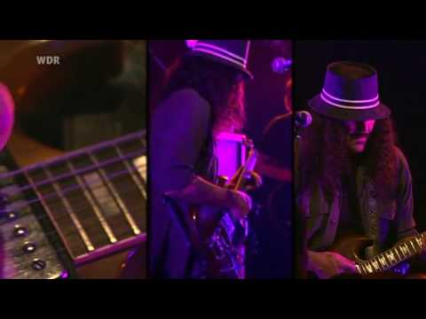 Brant Bjork live in Cologne - 03 - Low Desert Punk.mp4