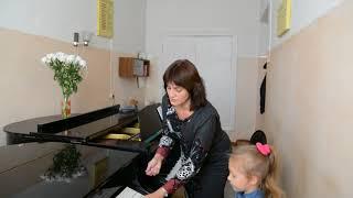 Моор Наталья Викторовна. Развитие музыкального слуха на начальном этапе обучения игре на фортепиано