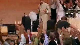 Repeat youtube video Benny Hinn - Amazing Glory of God Falling on People (2)