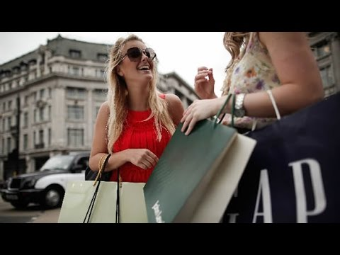 London Regent Street Shops, Hamleys, Picadilly Circus, Leicester Square / London Vlog @west end.