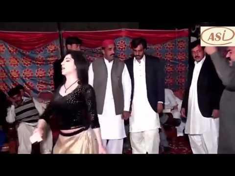 Mehak Malik dance Mein Mahi De Khu Ton Pani Da hot mujra