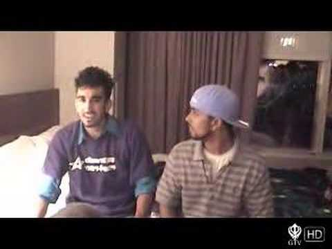 The Gabroo Punjabis chilling with the Duniya Allstars – Bruin Bhangra 2006