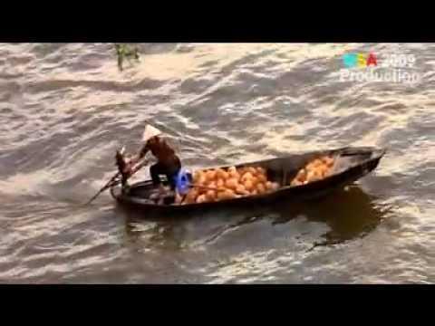 YouTube - Chợ nổi đồng bằng sông Cửu Long _ Mekong Floating Market.flv