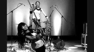 Watch Shonen Knife Konnichiwa video