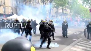 France: Explosive clashes erupt at Paris protest against presidential candidates