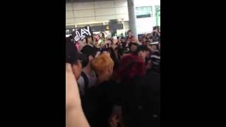 Download Video 130603 EXO incident at Changsha Airport MP3 3GP MP4