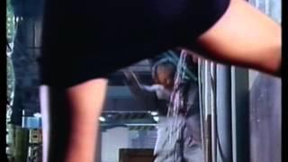 名高達郎が自ら激しいアクションに挑んだ意欲作。過失で容疑者を殺し、...