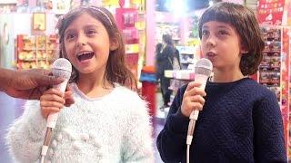 خلاهم يغنوا في المحل 🙈