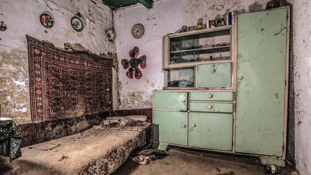 Abandoned Press House Winery - Urban Exploration