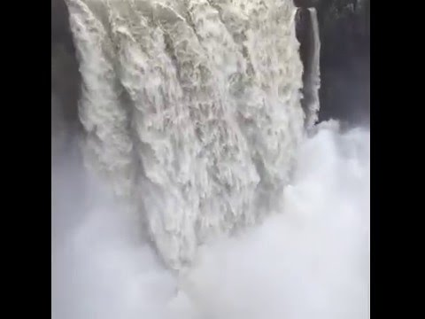 Snoqualmie Falls, Live Webcam Just One Click Away - Living
