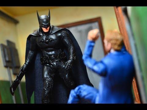 Mezco One:12 Toy Fair Exclusive Batman: Ascending Knight Review
