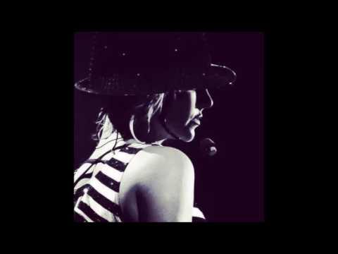 Ringtone: Britney Spears- Me, Myself, and I (MTV Video Music Awards 2016)