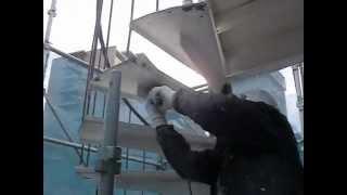 一級塗装技能士による、正しい鉄部階段のさび落とし。 thumbnail