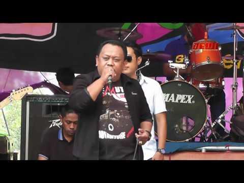 TABIR KEPALSUAN - GRG LIVE MUSIC 2016