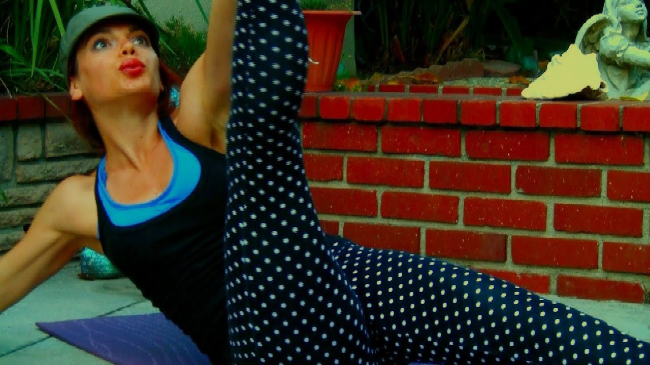 AK106 Sun Salutations Cardio Intense Yoga Power Vinyasa Class For Weight Loss