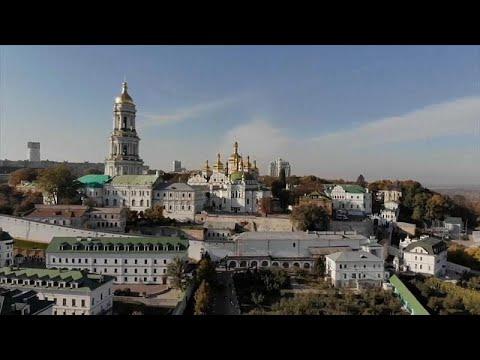 مخاوف من أزمة جديدة  مع اقتراب الكنيسة الأوكرانية من الاستقلال عن موسكو…