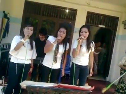 Suara Emas Trio Batak Putih Hitam - RAP