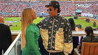 How y'all feel about Jay-Z and Beyonce sitting during the national anthem??