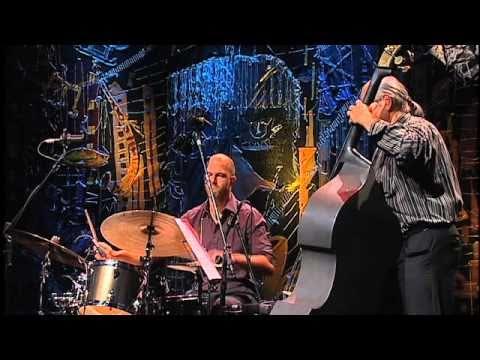 Karlheinz Miklin Trio | Kulti Multi (Karlheinz Miklin) | Instrumental SESC Brasilyoutube.com