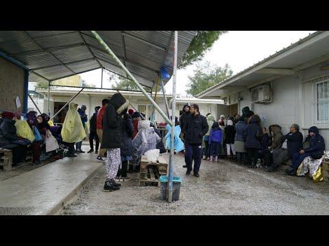 Migrants à Lesbos, une vie en suspens