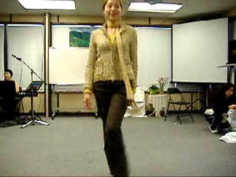 download Model Catwalk LESSON 2: Slow Hip Walk, Middle Turn, Pose, Turn Left, Turn