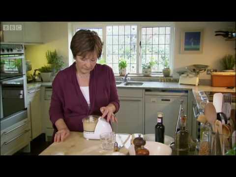 Houmous and pitta bread - Delia Smith - BBC