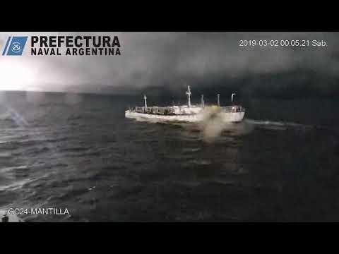 Fuego libre: así fue la persecución a un buque chino que pescaba ilegalmente