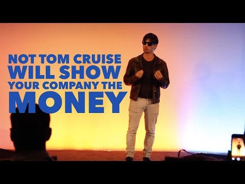 Tom Cruise Impersonator Rallies the Sales Force at a Pharma Conference