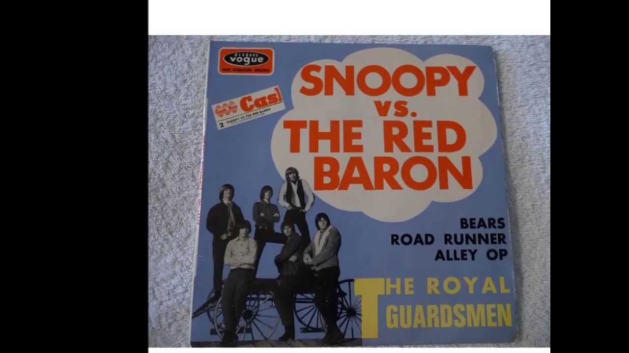 Snoopys Christmas Lyrics.Snoopy Vs The Red Baron W Lyrics The Royal Guardsmen