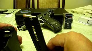 speed loading using universal pistol loader uplula on a sigsauer mosquito 22lr