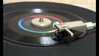 Anne Murray & Dave Loggins - Nobody Loves Me Like You Do [stereo 45 version]