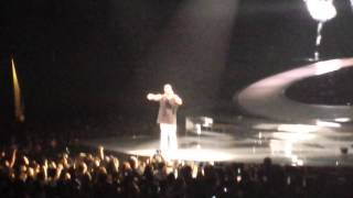 drake performing started from the bottom live at prudential center on 10 27 13