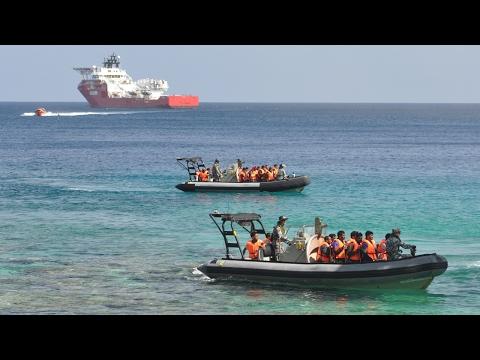 US pauses refugee vetting on Australia's Nauru