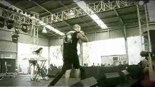 Bleeding Through   Love In Slow Motion [Live in Soundwave]