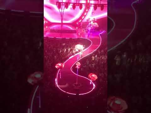 Witness Tour - Katy Perry - Deja Vu