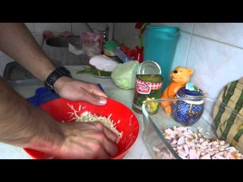 Подборка вкуснейших салатов с копченой курицей