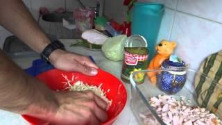Очень вкусный салат из копченой курицы
