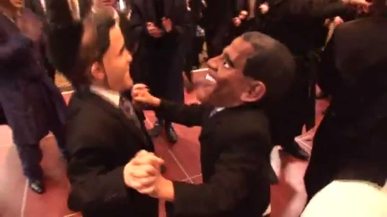 After debate Obama, Romney caught dancing at Jewish wedding - YouTube