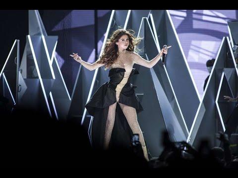 Selena Gomez - Hands to Myself [Live The Revival Tour Jakarta]