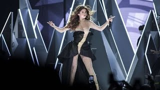 Selena Gomez - Hands to Myself [Live The Revival Tour Jakarta]