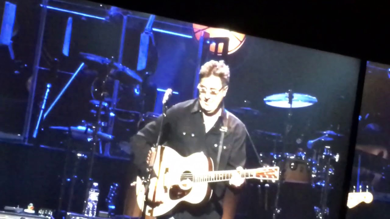 the eagles vince gill take it to the limit detroit 10 27 17 youtube. Black Bedroom Furniture Sets. Home Design Ideas